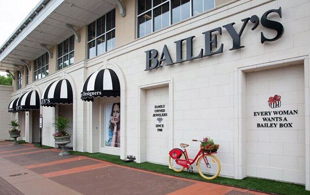 outside of baileys fine jewelry store in Cameron Village in Raleigh, NC