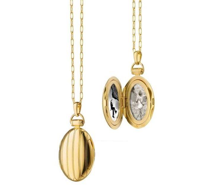 Monica Rich Kosann Oval Pinstripe Locket in 18kt Yellow Gold