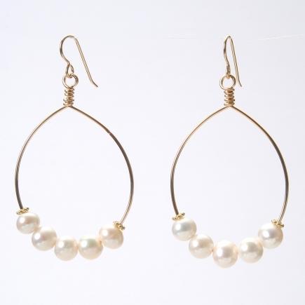 Wendy Perry Cinq Pearl Cristina Hoop Earrings