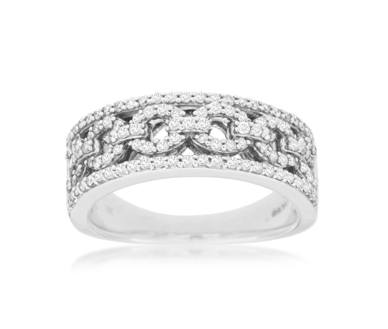 Diamond Circle Link Ring in 14k White Gold