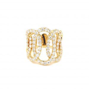 Large Open Oval Link Ring in yellow gold
